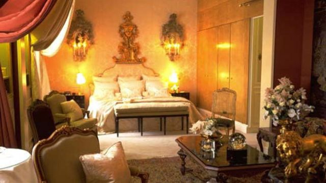 Ritz-Paris-Coco-Chanel-Suite